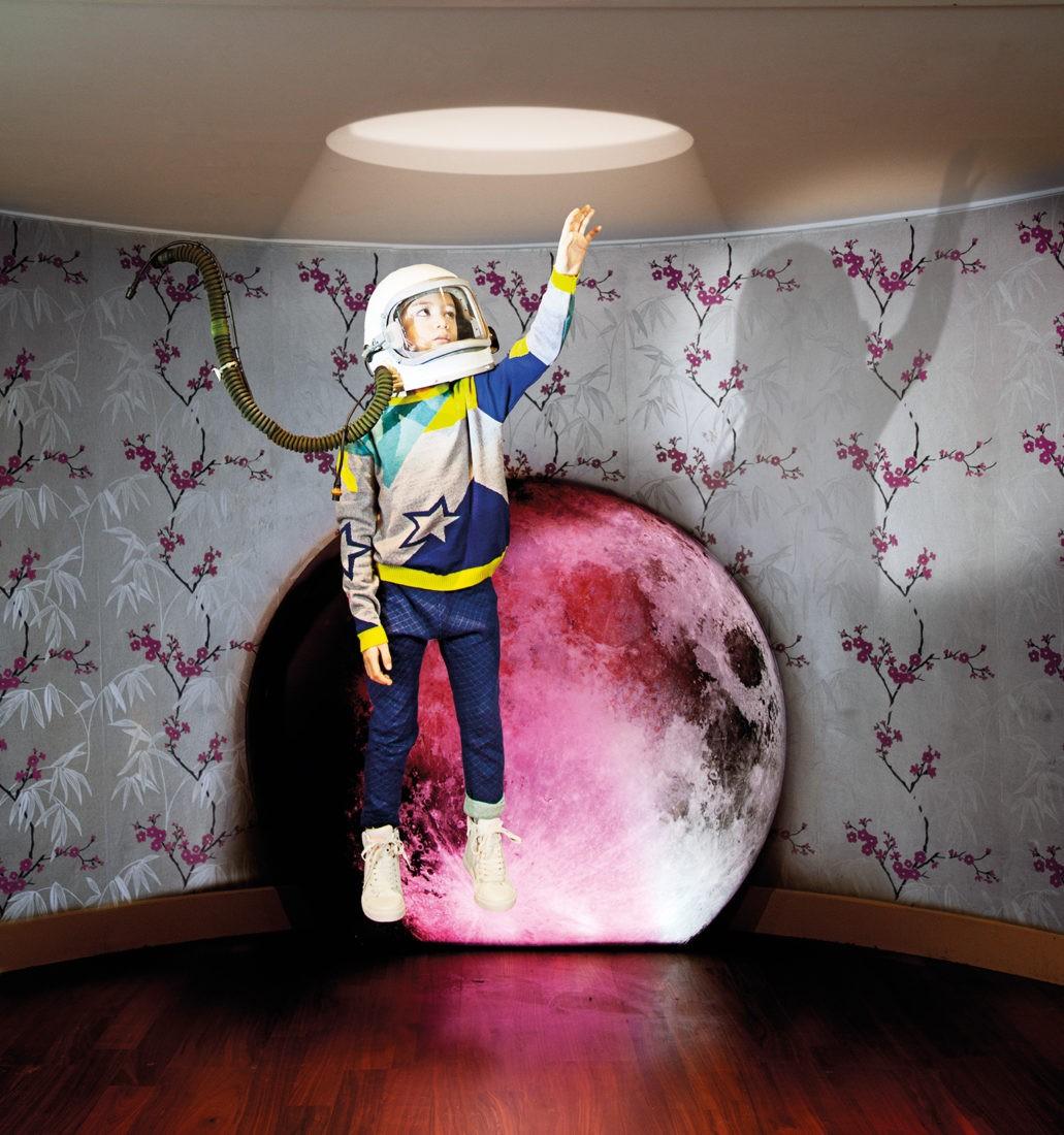 """RaspberryPlum: Galaktisch Pullover aus Merino-Wolle (121,50 €) """"Tommy"""" Wendehose (79,50 €) www.raspberryplum.com"""