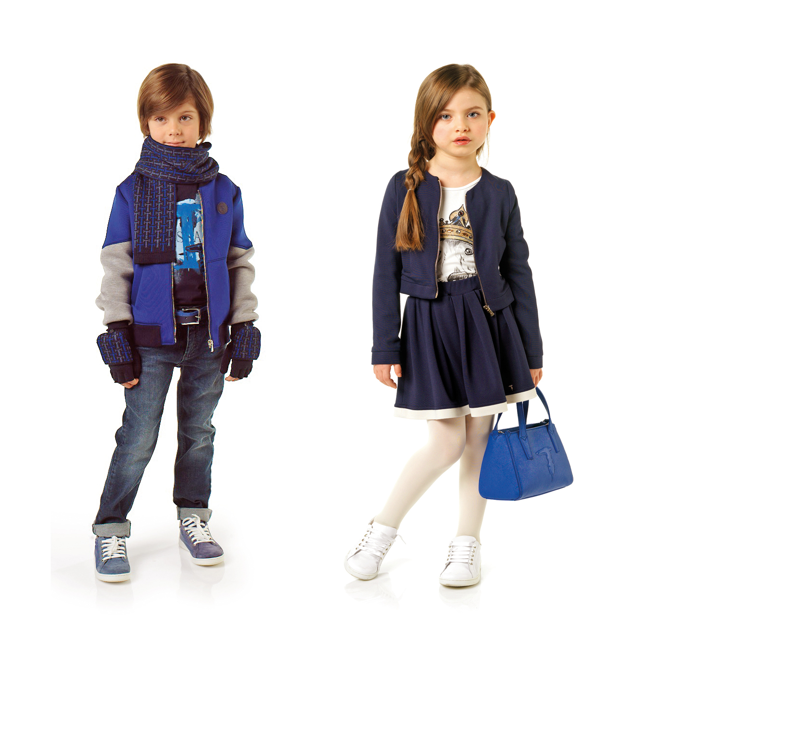 Trussardi Junior: macht Schule Jacke (120 €), Rock (68 €), T-Shirt (48 €) Handtasche (85 €) Sweater (93 €) T-Shirt (43 €), Jeans (93 €), Hand- schuhe (38 €), Schal (53 €), Gürtel (50 €) www.trussardi.com