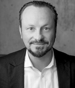 Gabriel Zboralski war als Global Business Manager für Esprit Kids & edc youth sowie als als Division Head Kids bei Tom Tailor tätig. Seit viereinhalb Jahren ist er als Sanetta-Geschäftsleiter für das Oberbekleidungsprodukt und den Vertrieb der Lizenzmarken verantwortlich.