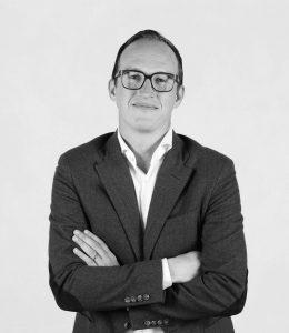 Alexander Wanke ist bei Hessnatur als Head of Category Management für die Einführung des neuen Shop-in-Shop-Systems zuständig und sucht Partner, die auf die für ihre Nachhaltigkeit bekannte Marke vertrauen.