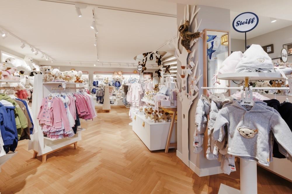 Neuer Steiff Flagship Store in der Münchener Briennerstraße - Design und Realisierung Büro Gruschwitz 7