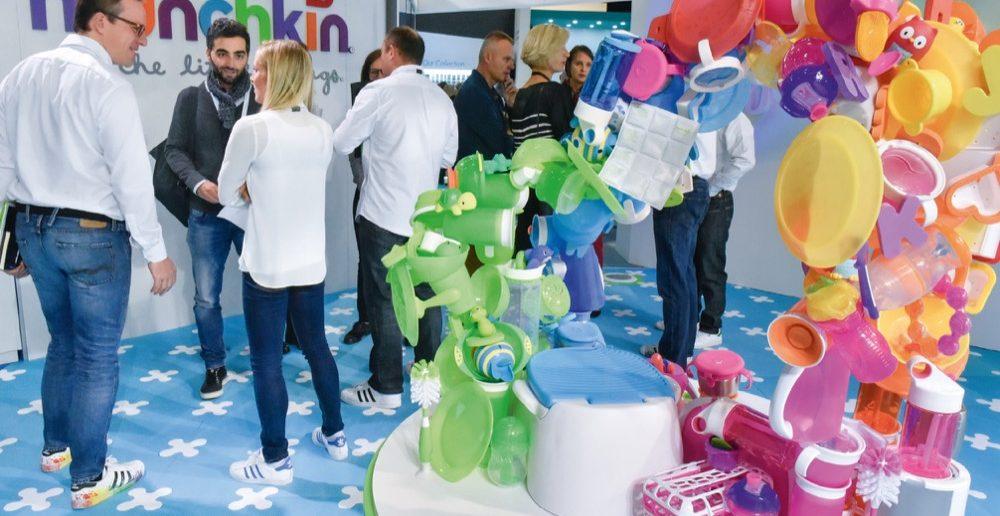 Die Kind + Jugend bietet mit ihren zahlreichen nationalen und internationalen Ausstellern, darunter Munchkin, einen bunten Reigen an Marken und Produkten. Was viele Besucher besonders reizt, sind natürlich die Neuheiten.