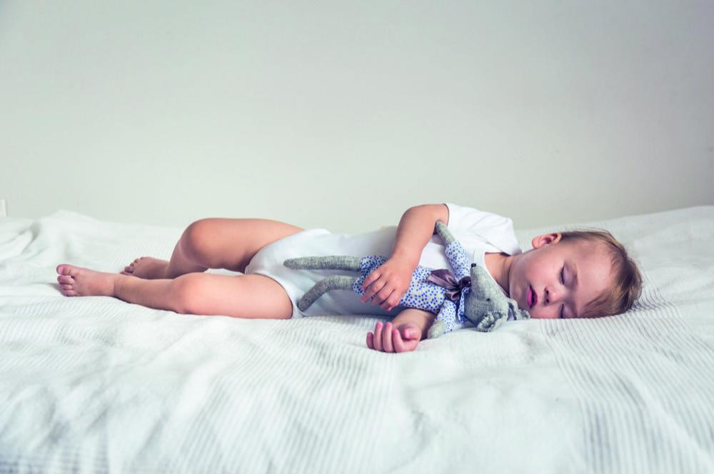 Unbeschwerte Bettruhe:<br /> Spezialisten wie Alvi, Träumeland oder Zöllner entwickeln sichere, komfortable und für einen geruhsamen Schlaf sorgende Matratzen. Doch die Stiftung Warentest hat jüngst vor Produkten etablierter Anbieter gewarnt.<br /> Foto: Mallmo/AdobeStock