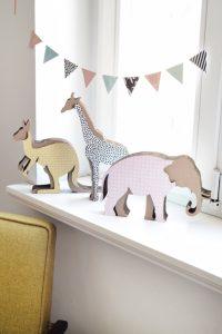 Koko Cardboards fertigt Spielfiguren, Puppenhäuser, Schaukeln und Sitzgelegenheiten – und das alles aus gepresster Pappe.