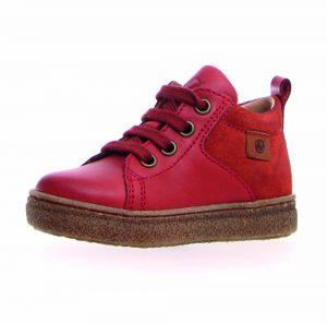 Gerade wer im Herbst Laufen lernt, braucht wie zum Beispiel von Naturino einen festen und robusten Schuh.