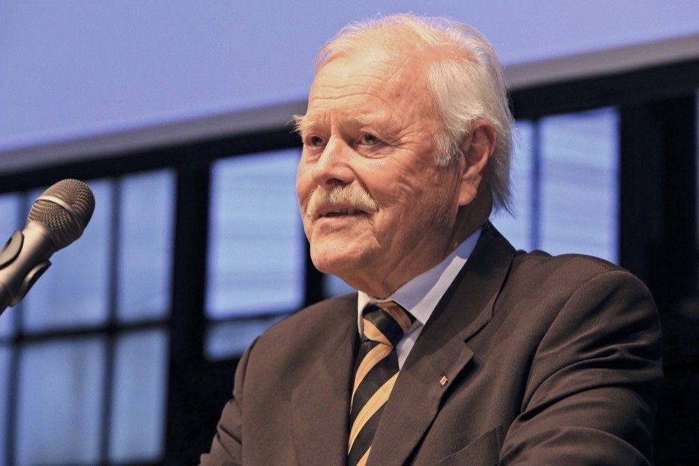 Prod. Dr. Klaus Langwieder verstarb im November 2020.