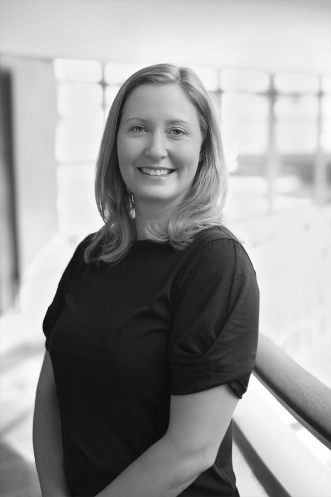 Heli Fleetwood ist Mutter zweier Kinder (6 & 9), seit 2018 als Marketing Director bei Polarn O. Pyret tätig und wirkt auch bei der erfolgreichen Ausweitung des Geschäfts auf den deutschen Markt mit. Bereits früher motivierte sie zwölf Jahre lang Kunden im Kosmetikbereich, weniger zu kaufen. Nachhaltigkeit war einer der Gründe, zu PO.P zu wechseln.